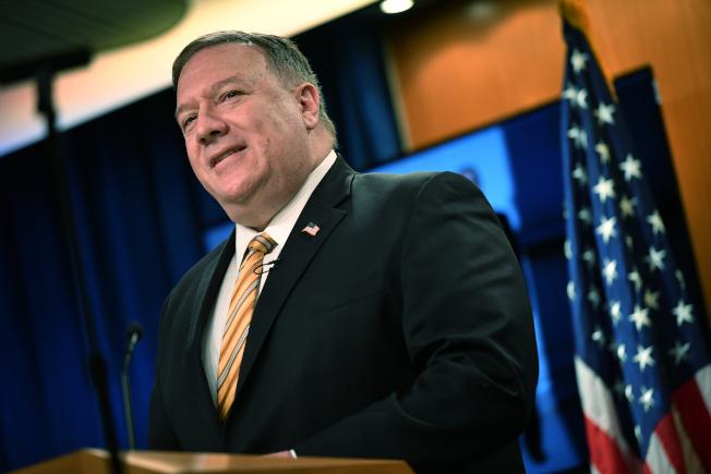 美國國務卿龐培歐29日表示,美國已開始停止出口防衛設備給香港,並考慮進一步限制與香港的貿易。(美聯社)
