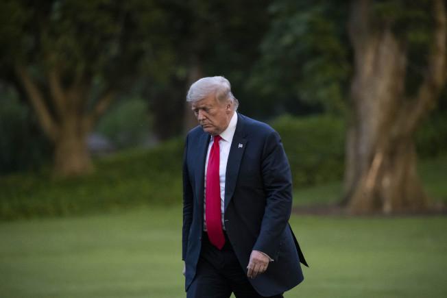 川普總統連任之路近日看來困難險阻,傳出他心情低落。(美聯社)