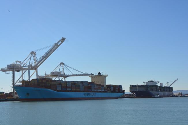 新冠疫情導致業務下滑,屋崙港口2021財年的支出計畫,比去年縮減8110萬。(記者劉先進/攝影)