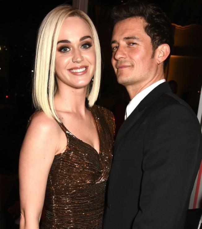 凱蒂佩芮(左)去年和奧蘭多布魯訂婚。(取材自Instagram)