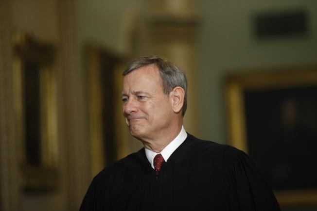 聯邦高院首席大法官羅伯茲今年的多項裁決與自由派大法官同一陣線,讓保守派人士意外又不滿。(路透)