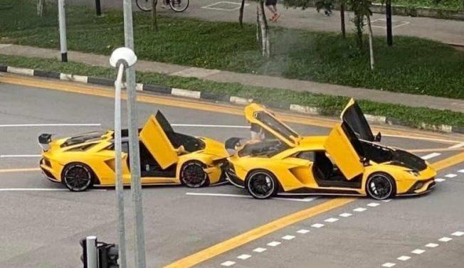 两辆同型同色超跑竟撞在一起 这机率超级低!