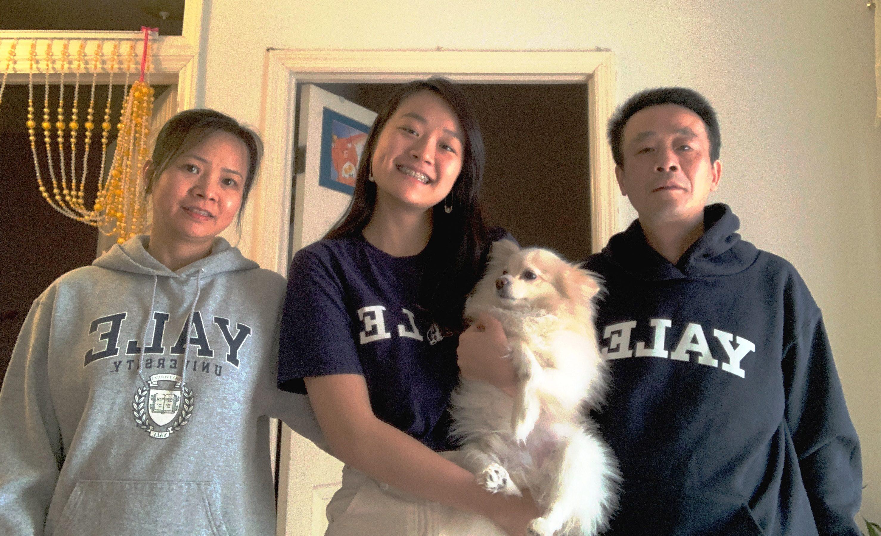 疫情讓陳詩敏的父母雙雙失業,不過這也讓她在上大學之前,擁有更多與家人共處的時間。(陳詩敏/提供)