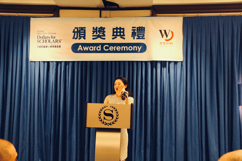 李德怡鼓勵更多華人子弟申請獎學金,要對未來充滿信心,努力追求夢想,為人生翻開新篇章,學成後回饋社區,做出更卓越的貢獻。(本報檔案照)