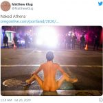 裸女對員警張開雙腿示威  照片網路瘋傳