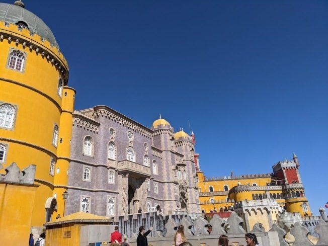 旅遊|葡萄牙佩納宮 繽紛的浪漫城堡