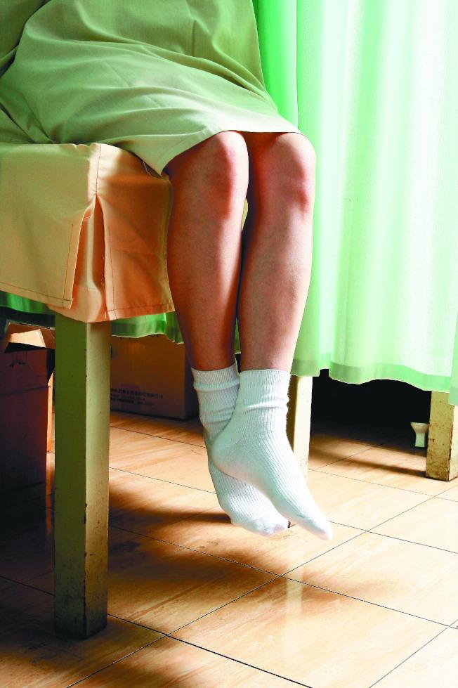 醫師提醒,只要有了第一次性行為,就應每年接受子宮頸抹片檢查。(本報資料照片)