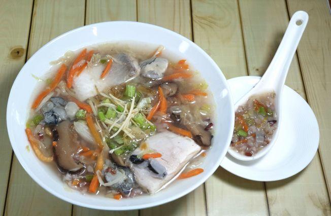 油蔥彩蔬虱目魚粥