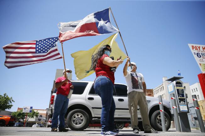 德州疫情嚴重,政府機構關閉,所有行政事務都受影響。(美聯社)