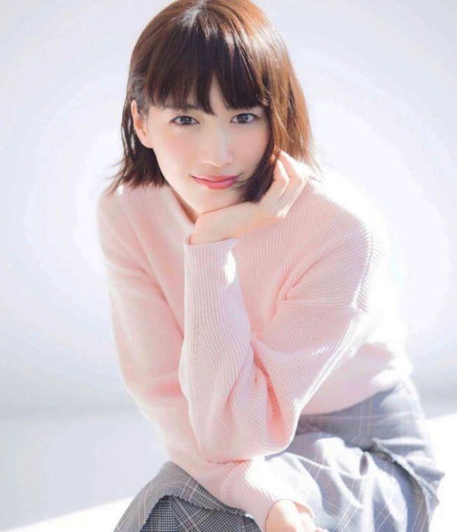 日本女星綾瀨遙傳出秘戀南韓花美男男星魯敏宇。(取材自微博)
