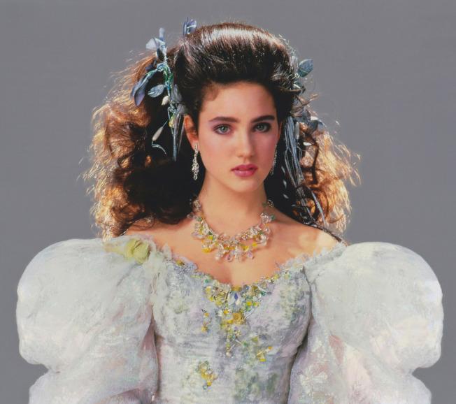 珍妮佛康納莉在「魔王迷宮」造型有如童話故事裡的公主。(取材自IMDb)