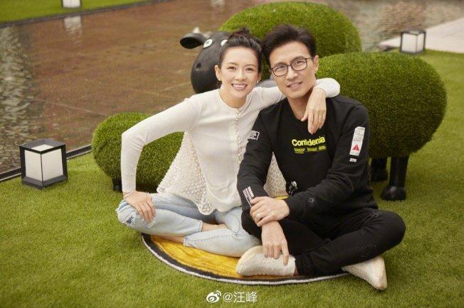 章子怡(左)年初剛生第二胎,近日被爆料疑似又懷孕。(取材自微博)