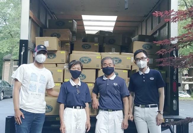 華府慈濟志工從紐約載回發放物資。(慈濟提供)