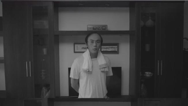 秦昊摘下頭套露出「禿頭」,讓觀眾大吃一驚。<br />(取材自豆瓣電影)