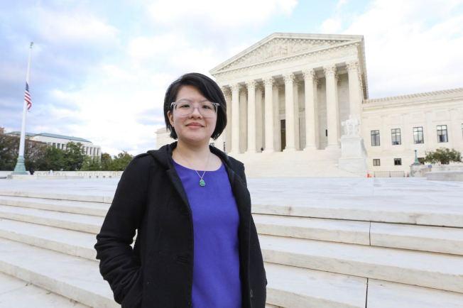馮巧嬋與其他夢想生一起慶祝最高法院否決川普政府中止DACA的行政令。(馮巧嬋提供)