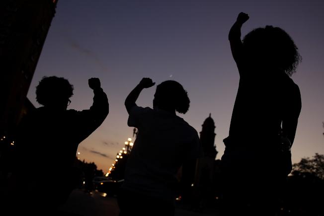 美國非洲裔與白人6月的失業率差距創5年來新高。(美聯社)
