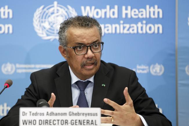圖為世衛組織秘書長譚德塞今年2月4日在日內瓦主持記者會。(美聯社)
