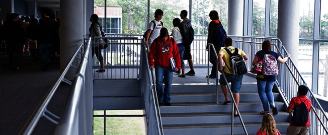 疫期逾60萬學生 教育脫節難彌補
