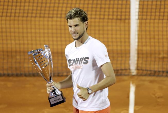 世界排名第3的奧地利網球名將汀恩,再度為亞德里亞巡迴賽成「染疫巡迴賽」道歉,他表示參加賽事的大家都犯了很大錯誤,「我們所有人的舉動都過於興高采烈,最重要的是我們已經從錯誤中學習。」(歐新社)