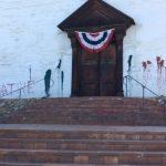 佛利蒙米慎教堂遭塗紅漆 警視仇恨犯罪