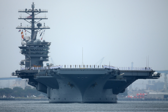 美國在國慶日當天派出兩架航母到南海進行作戰演練,向中國叫陣意味十足,圖為尼米茲號航母的檔案照。(路透)