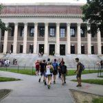 哈佛、普林斯頓今秋復課 分流到校 定期新冠病毒檢測