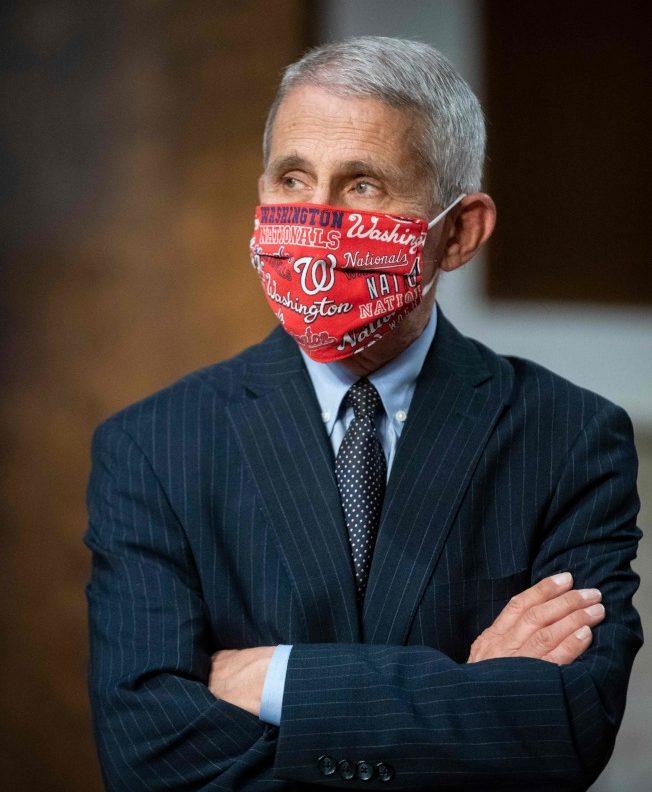 白宮抗疫小組重要成員佛奇指目前美國還深陷於第一波疫情中, 情況非常嚴峻。(Getty Images)