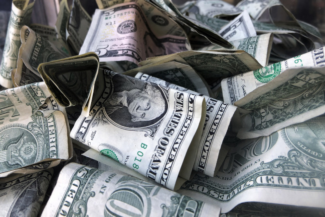 蕭特表示,白宮希望國會在8月第一周前通過新一輪經濟刺激方案,並希望支出規模訂在1兆美元左右。(美聯社)