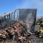 大貨車著火4萬磅豬肉烤焦 消防員都餓了