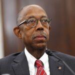 加大任命首位非裔總校長 69歲德雷克接掌後年薪89萬