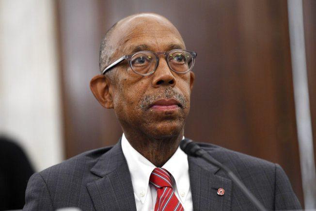 加大任命首位非裔总校长 69岁德雷克接掌后年薪89万