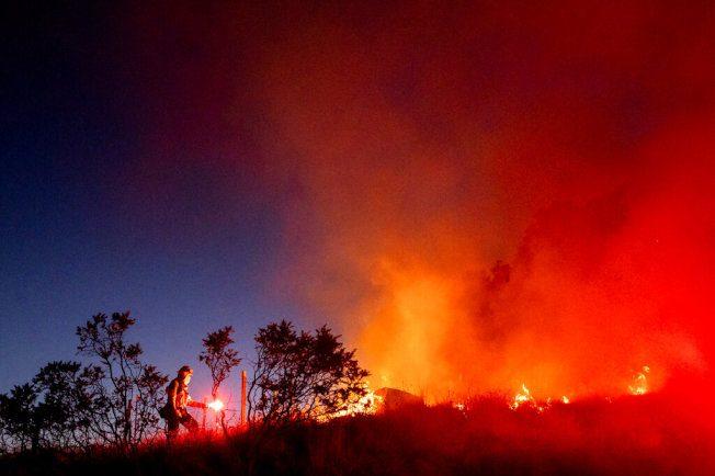 吉尔洛克鲁斯山火扩大至5400亩