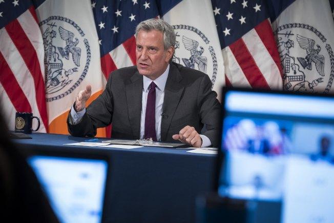 白思豪宣布,紐約市將取消10月之前所有需要市府許可的大型活動。(市長辦公室提供)