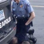 錄影筆錄…佛洛伊德20次哀求「無法呼吸」警:那就別叫