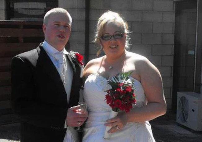 莎拉(右)因詐欺及其他3項罪嫌,被判入獄3年半的時間,她的丈夫湯瑪士(左)因被視為共犯,也遭判刑。取自太陽報網站