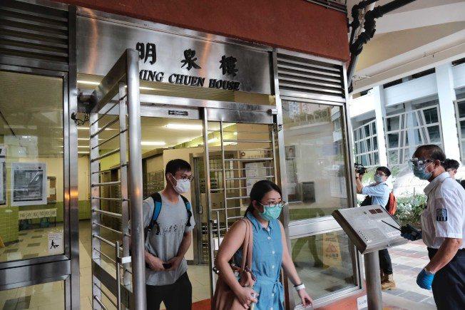 香港本土增32例 同樓11確診 住戶自行撤離