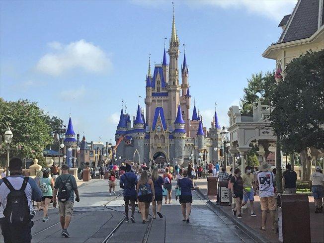 佛奧蘭多「迪士尼世界」7月11日重新開放,在佛州疫情升高的時刻,能否順利重開備受矚目。(美聯社)