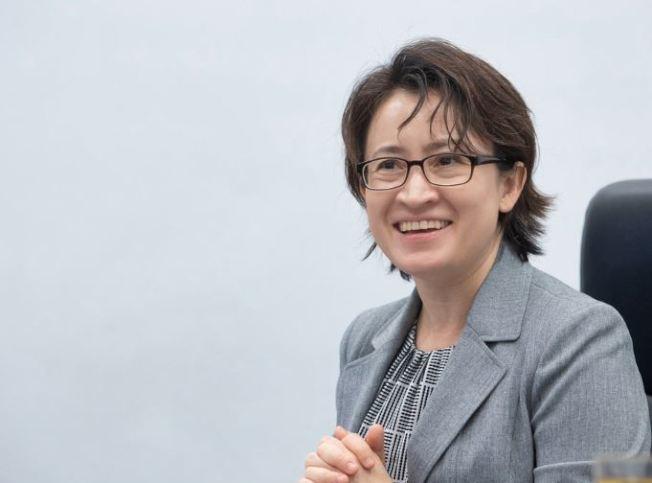 台灣首位女性駐美代表蕭美琴希望藉由文化、體育、美食等「軟性」外交,提升台美關係,她也說明駐美工作的最終目標,就是讓台灣人可以身為「台灣人」為榮。中央社