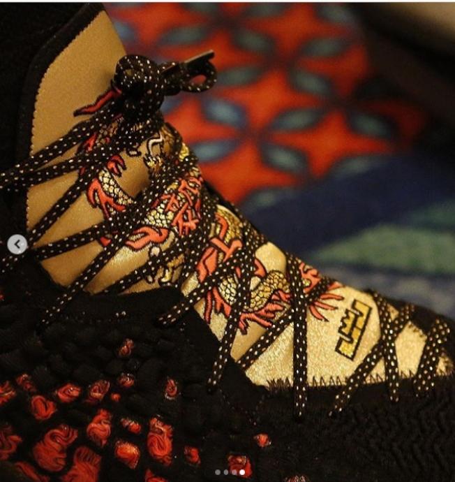 詹姆斯斯新鞋以周杰倫的「紅模仿」為設計靈感,充滿東方元素。(取材自Instagram)