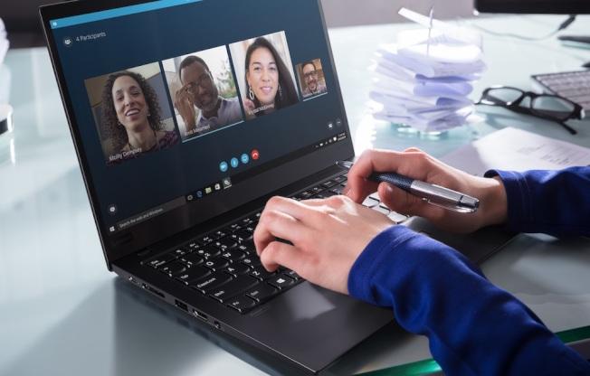 Lenovo最新調查:邁向後疫情時代,八成企業員工擁抱遠距工作,倡企業實行「應變-適應-重置」三階段佈署,啟動工作新模式。(圖:Lenovo提供)