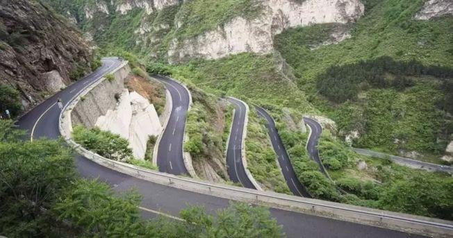 北京著名景點房山紅井路。(視頻截圖)