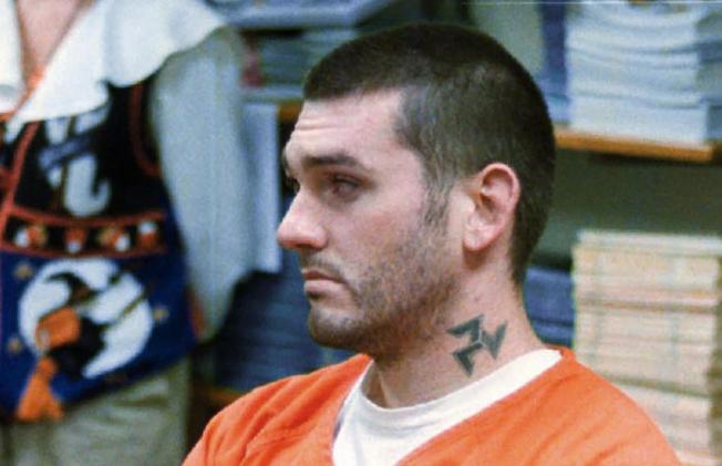 白人男子丹尼爾.路易斯.李(Daniel Lewis Lee),14日一早在印第安納州Terre Haute聯邦監獄接受致命性注射劑伏法,他在死前的最後一句話是「你們殺錯無辜的人」。美聯社