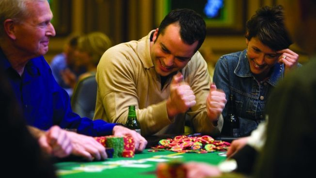 維加斯賭場、旅館重開不同調