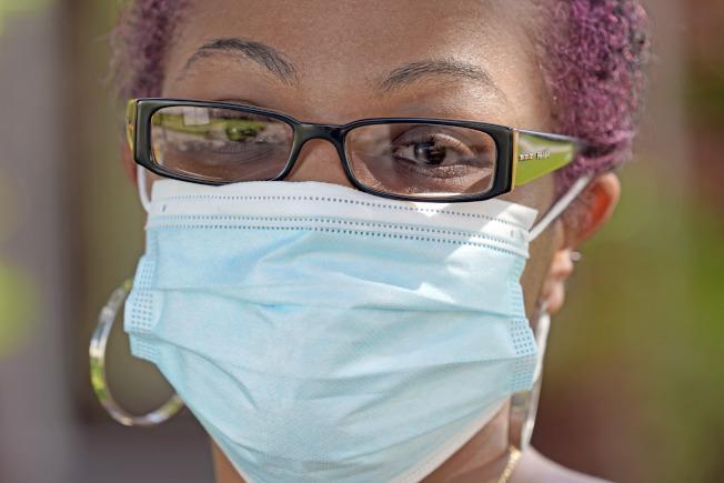 根據一項最新研究,新冠疫情在麻州爆發後,當地最大醫療系統Mass General Brigham(後簡稱MGB)旗下12個醫院所有員工都被要求戴上口罩,其後感染率顯著下降;研究人員稱,這表明口罩在防止這個致命傳染病傳播方面確實有效。美聯社