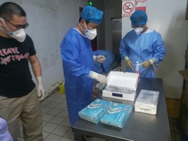 浙江紹興日前對當地進口南美冷凍白蝦業者進行檢查,要求業者先行主動將產品下架,封存於冷凍庫中。(取自紹興市政府官網)