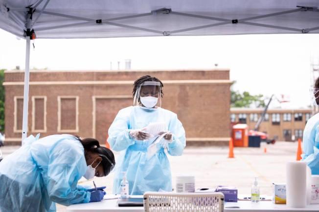 伊州衛生廳連續兩個周日會在蘇黎世高中提供病毒檢測。(伊州州長臉書截圖)