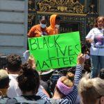 警局須貼「黑人生命寶」海報 惹議