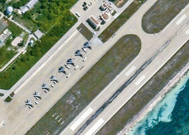永興島上的戰機。(衞星圖片截圖)