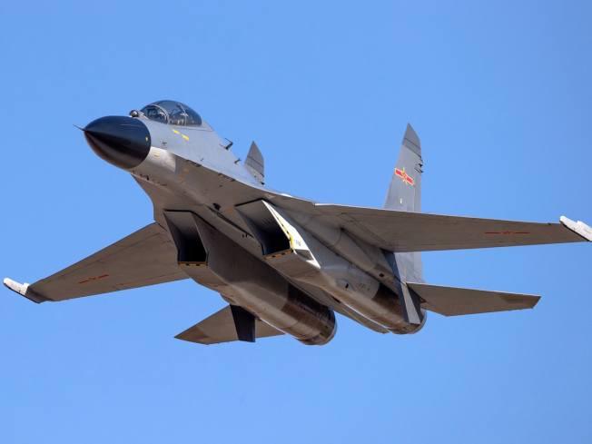 殲11B戰機。(取材微博)