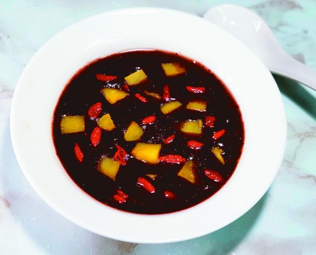 紅紫黑黃養生湯。